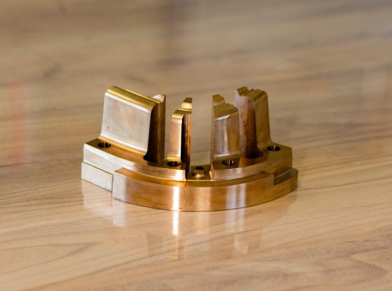 金型加工(1)